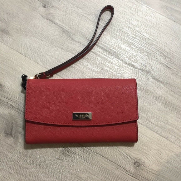 uk availability 45107 96b8b Kate Spade iPhone 8 or XS Wristlet wallet red NWT